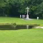 Promenade dans le parc du Foyer de Charité de Baye